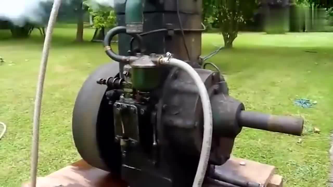 一台古董级的柴油机,老式发动机启动都是一个问题
