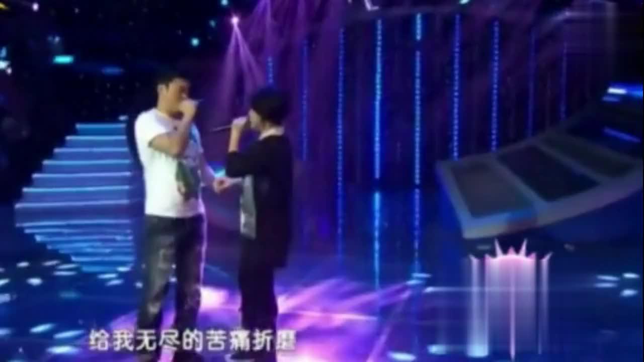 丫蛋携手王金龙演唱《爱是你我》,秒杀小沈阳夫妻