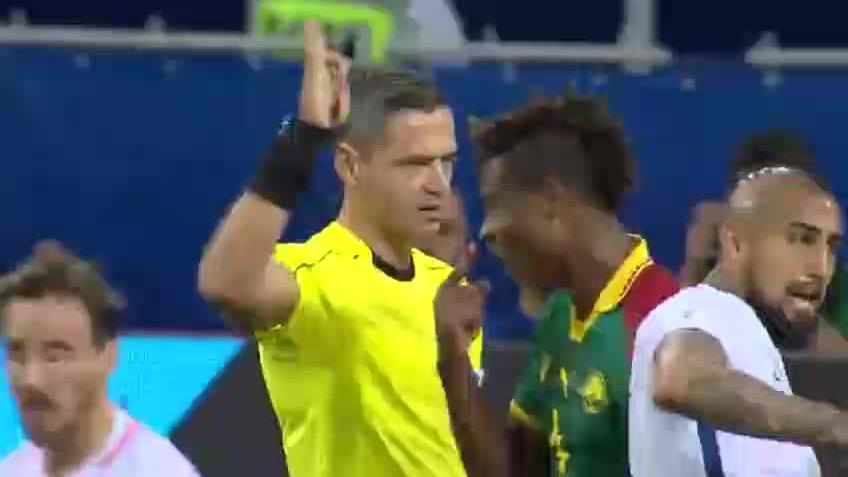 联合会杯 比达尔破门录像裁判抢戏 智利2-0喀麦隆