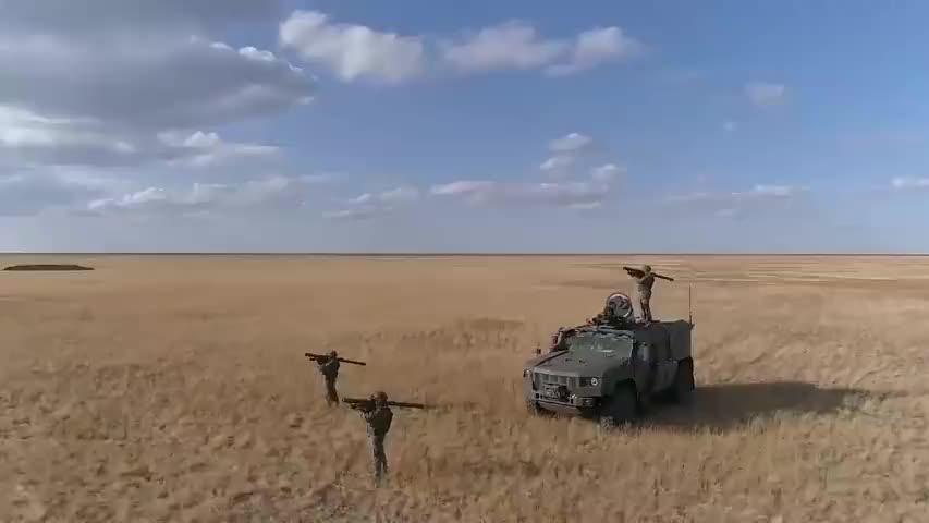 俄军新型山毛榉M3,防空导弹亮相,阿斯特拉罕演习