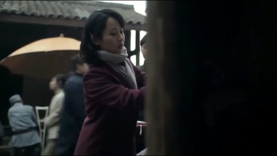 战长沙:杨紫街头苦苦寻夫,终于找到霍建华了,两人相拥而泣