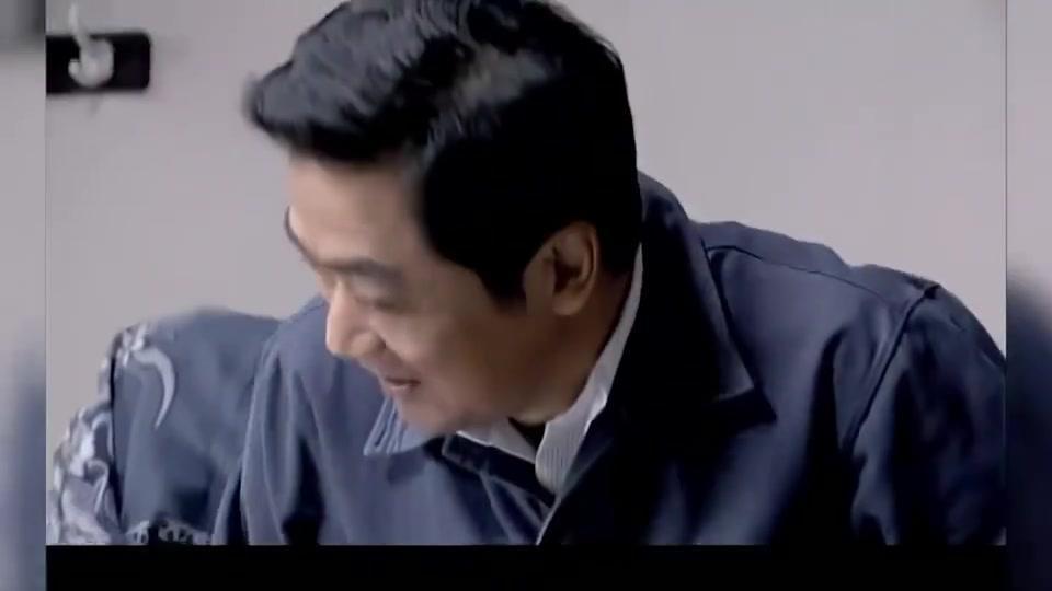 金婚:佟志把坏的小碗柜给了庄嫂,没敢和文丽说,这下误会大了