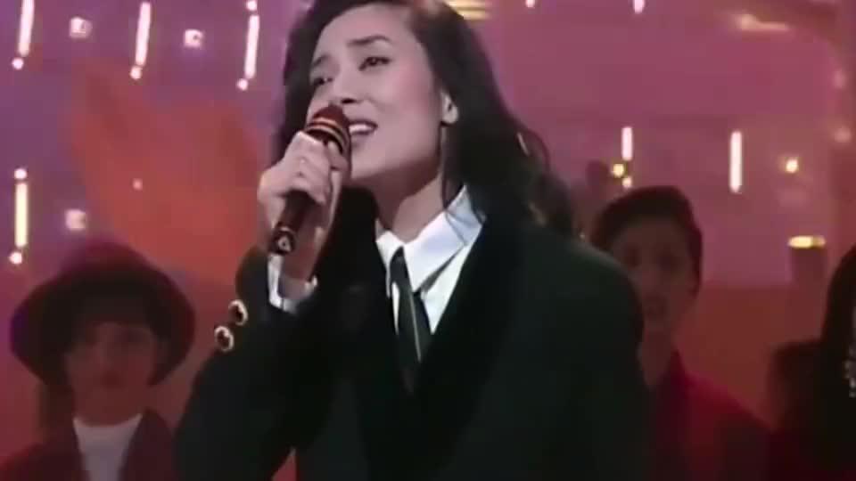 周慧敏,彭羚,邝美云等十位女歌手同台,演唱年十大劲歌金曲