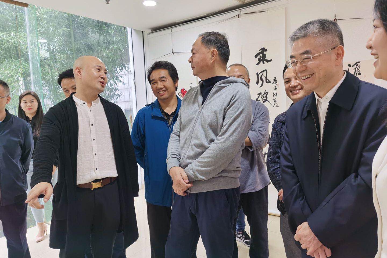 民盟长沙首次大型书画展览开幕,长沙民盟书画院石涛秘书长专访