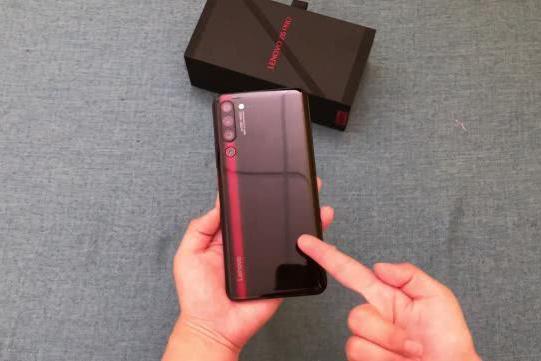 用红魔、黑鲨、iQOO做垫背者,联想拯救者电竞手机能成吗?