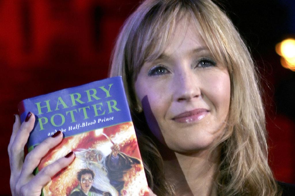 酷!JK罗琳宣布霍格沃兹开学,《哈利·波特》向网课免费开放