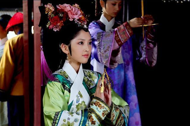 《甄嬛传》祺嫔出身高相貌好会撒娇又有皇后捧,为什么不得善终?