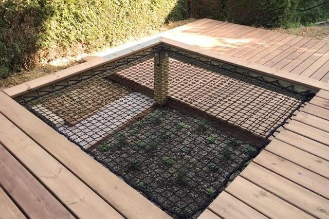 邻居又放大招,院子铺个露台甲板挖空1米做吊床,回去就让老公学