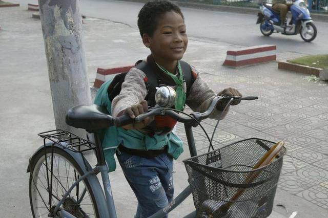 二十年前,当时被中国老太收留的黑人婴孩,现在生活还好吗?