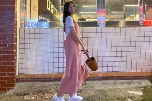 韩国女艺人安昭熙SNS发照秀可爱迷人魅力