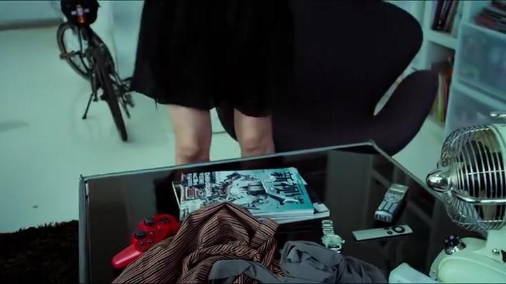 整容日记:女白领整容,被同事给扒了出来,全在等着看她笑话