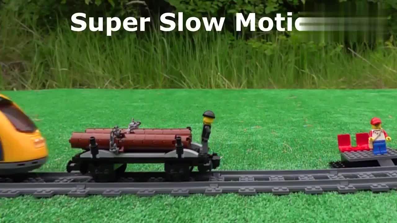 乐高积木拼装的火车模型,在轨道上如果碰撞了会如何?