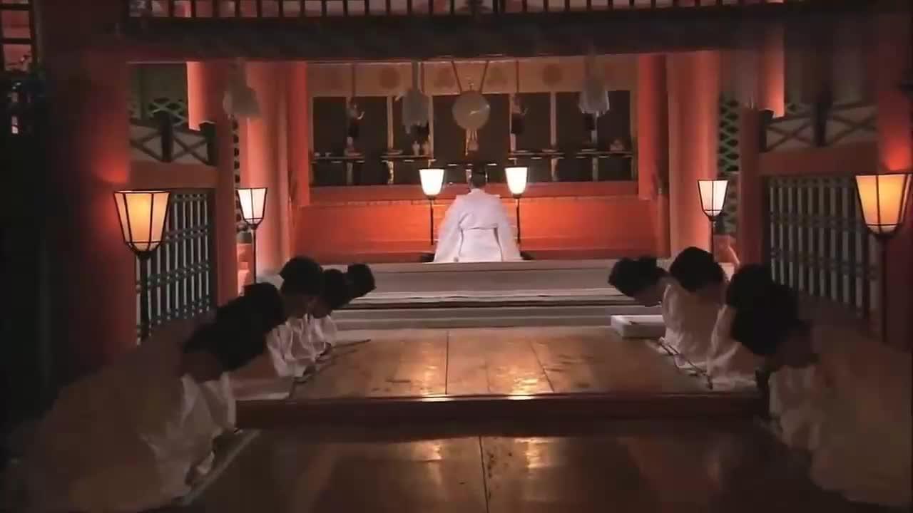 日本国歌君之代 好似哀乐但寓意深刻 天皇是日本的精神图腾