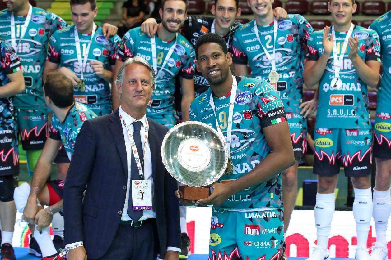 MVP莱昂!2020意大利男排超级杯佩鲁贾3:2奇维塔诺瓦第三次捧杯