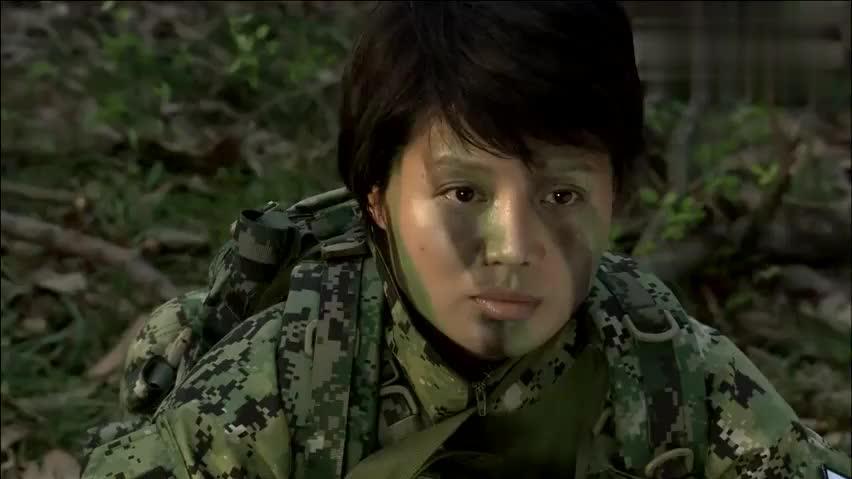 火凤凰:女兵深入敌后,轮番休息放哨,而云雀一直在想作战方法