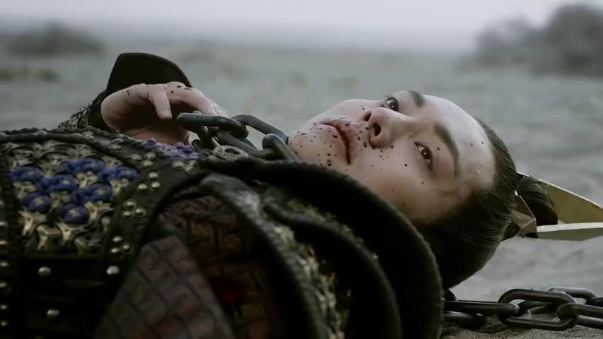 凌王单枪匹马来救卿尘,被梁军陷害,怎料惨死剑下