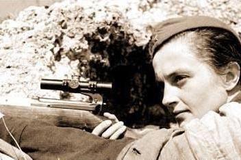 真实档案,1942年苏联女狙击手与德军狙击教官的较量