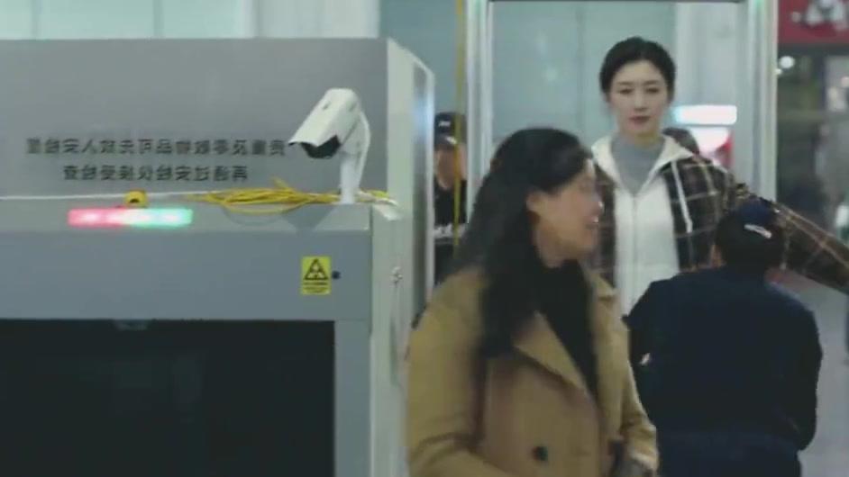 三十而已:漫妮重回上海,顾佳来接她:来当你的台阶,你的后路!