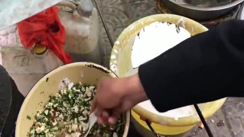 陕西小镇有一种美食叫油角,用米浆黄豆浆炸出来的!