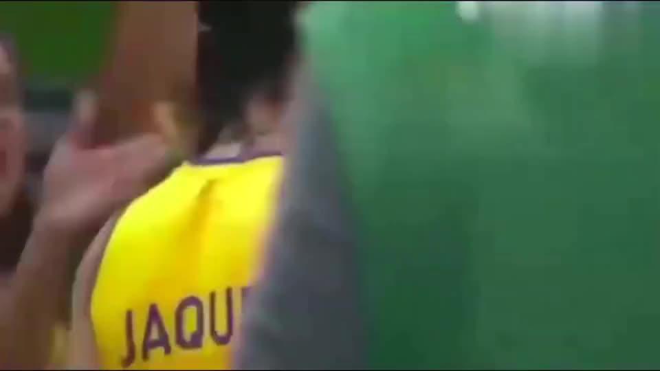 中国女排朱婷,当年一记扣杀,不知击碎了多少巴西人的排球梦
