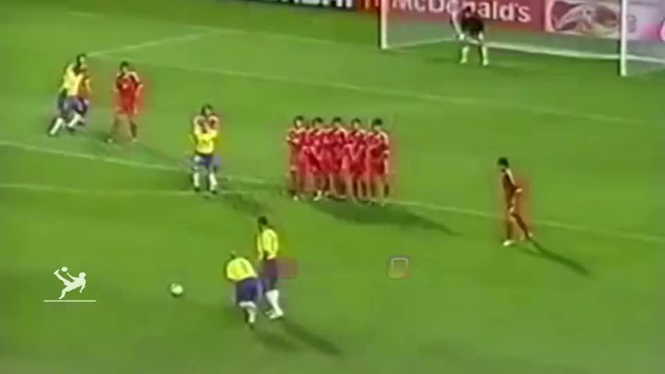 足坛第一左后卫,卡洛斯的11大精彩进球,物理学无法解释暴力美学