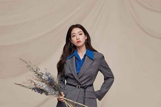 韩国女艺人朴信惠最新杂志写真曝光