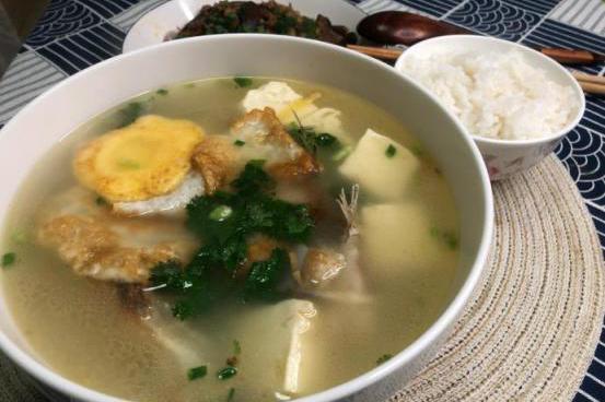 鱼头豆腐汤怎么做才好喝?掌握3个步骤,奶白鲜美鱼头汤轻松get