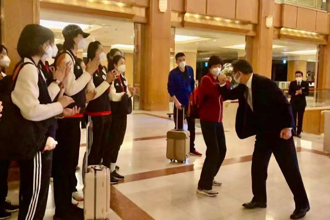 第2天直接开练,日本排协举办了欢迎仪式