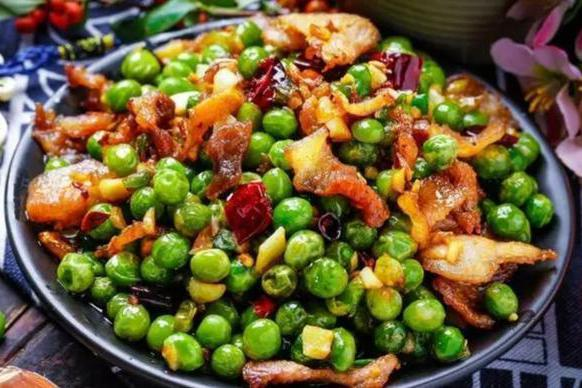 美食推荐:酱汁淋鱼,青豆炒腊肉,香菇虾盏