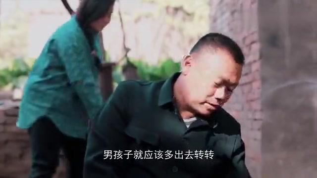影视:父亲毁掉女儿学业,十年后女儿荣归故里,才知父亲不容易