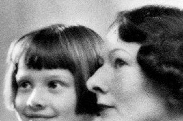 """""""安妮公主""""奥黛丽·赫本,她的12张美照,惊艳了一个世纪"""