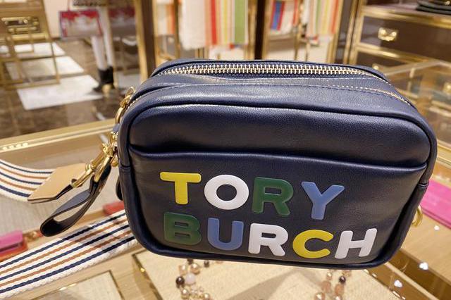 Tory Burch汤丽柏琦探店:发现古灵精怪、外出百搭的相机包