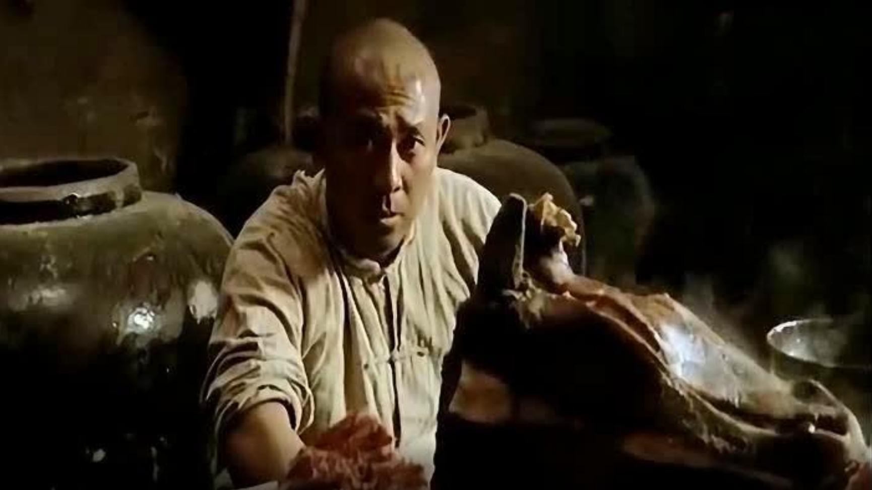 红高粱:姜文抱牛头啃肉这个动作,绝大多数小鲜肉模仿不了