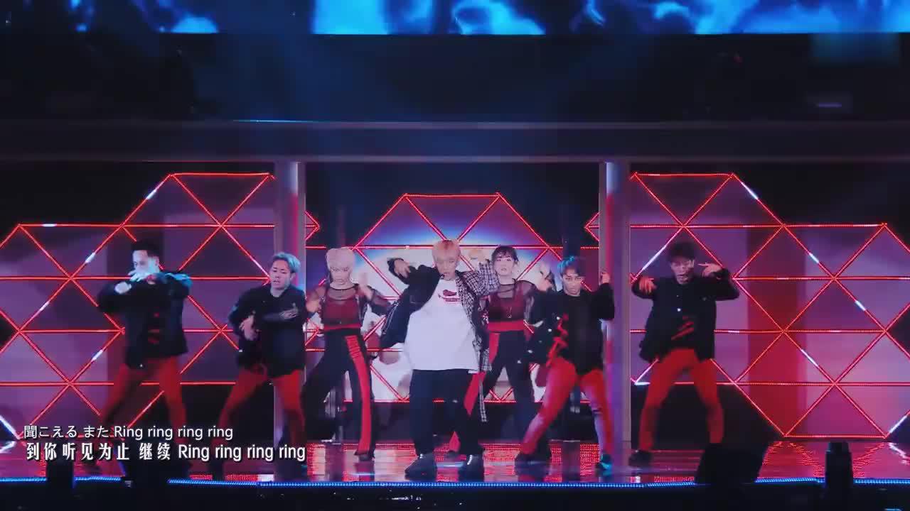 边伯贤solo舞台《Ringa Ringa Ring》