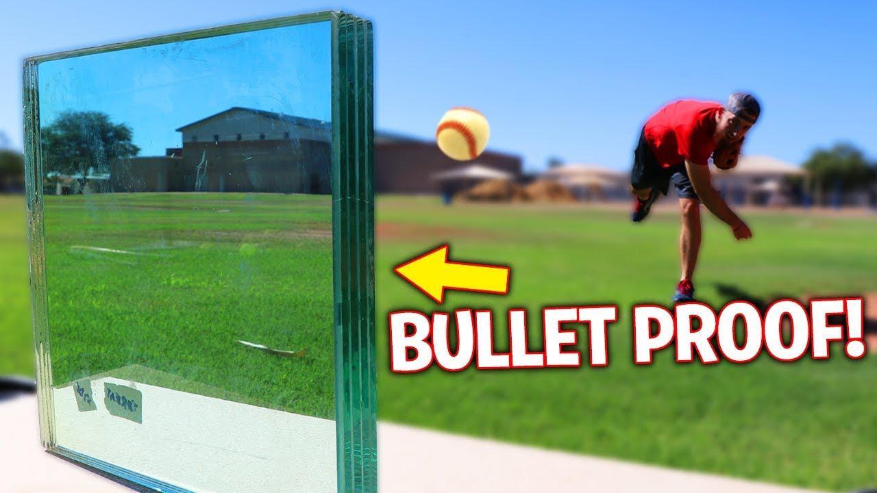 疯狂的测试:棒球能打碎防弹玻璃吗?