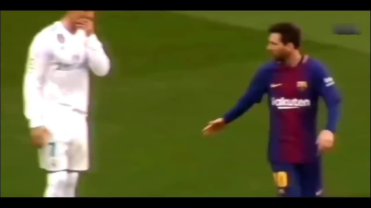 足球是一种信仰, 梅西与C罗相拥让人感动, 希望多点赞美少点谩骂