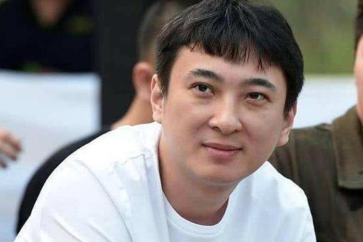 王思聪自爆在东北撸串被打,头上缝6针,打他的人如今还活着吗?