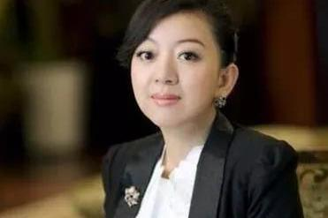 立白副董陈凯臣之女陈丹霞赴港独立IPO,现在是破局者最好时代