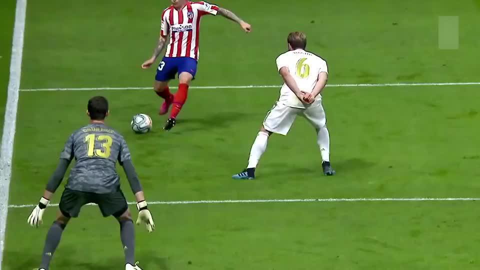 有实力不怕被质疑!库尔图瓦这些扑救,证明他是最好的守门员!
