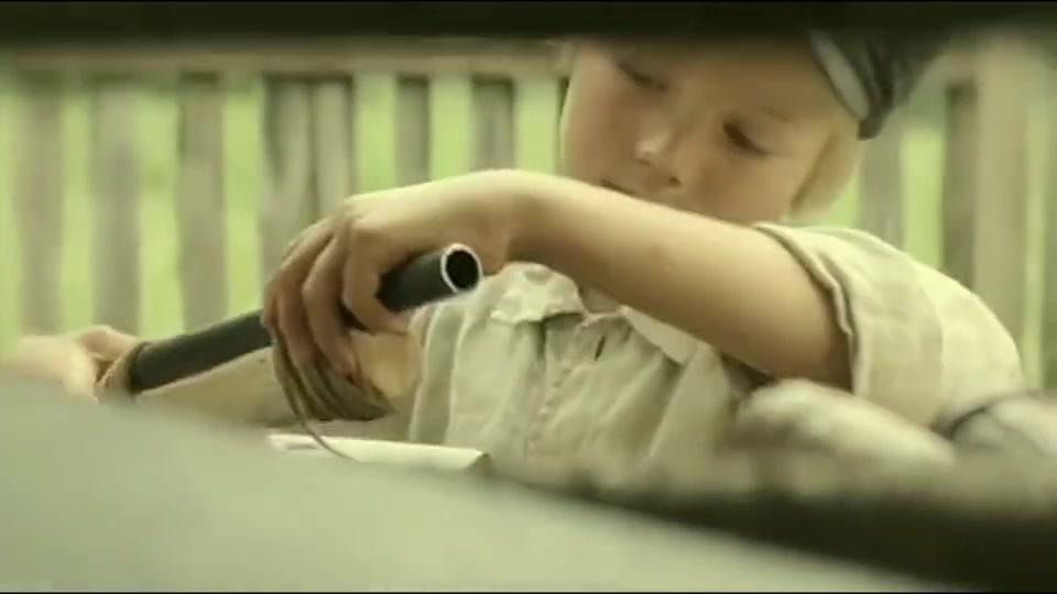 男子造出世界第一把自动步枪,卡拉什尼科夫