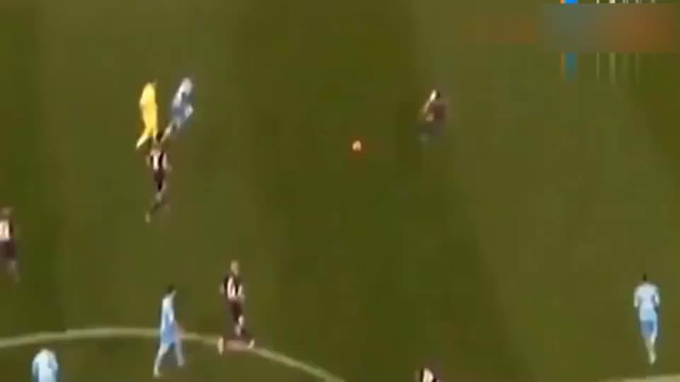 罗纳尔多恐怖的爆发力加速,这球没法踢了!