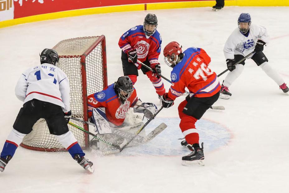 2021年北京市高中冰球挑战赛闭幕 北京十一学校获得冠军