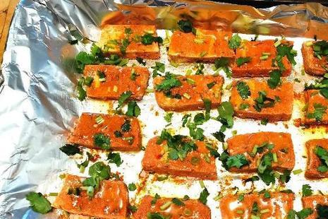 在家也可以自制烤豆腐,味道不比烧烤摊的差,只需多加一种调料
