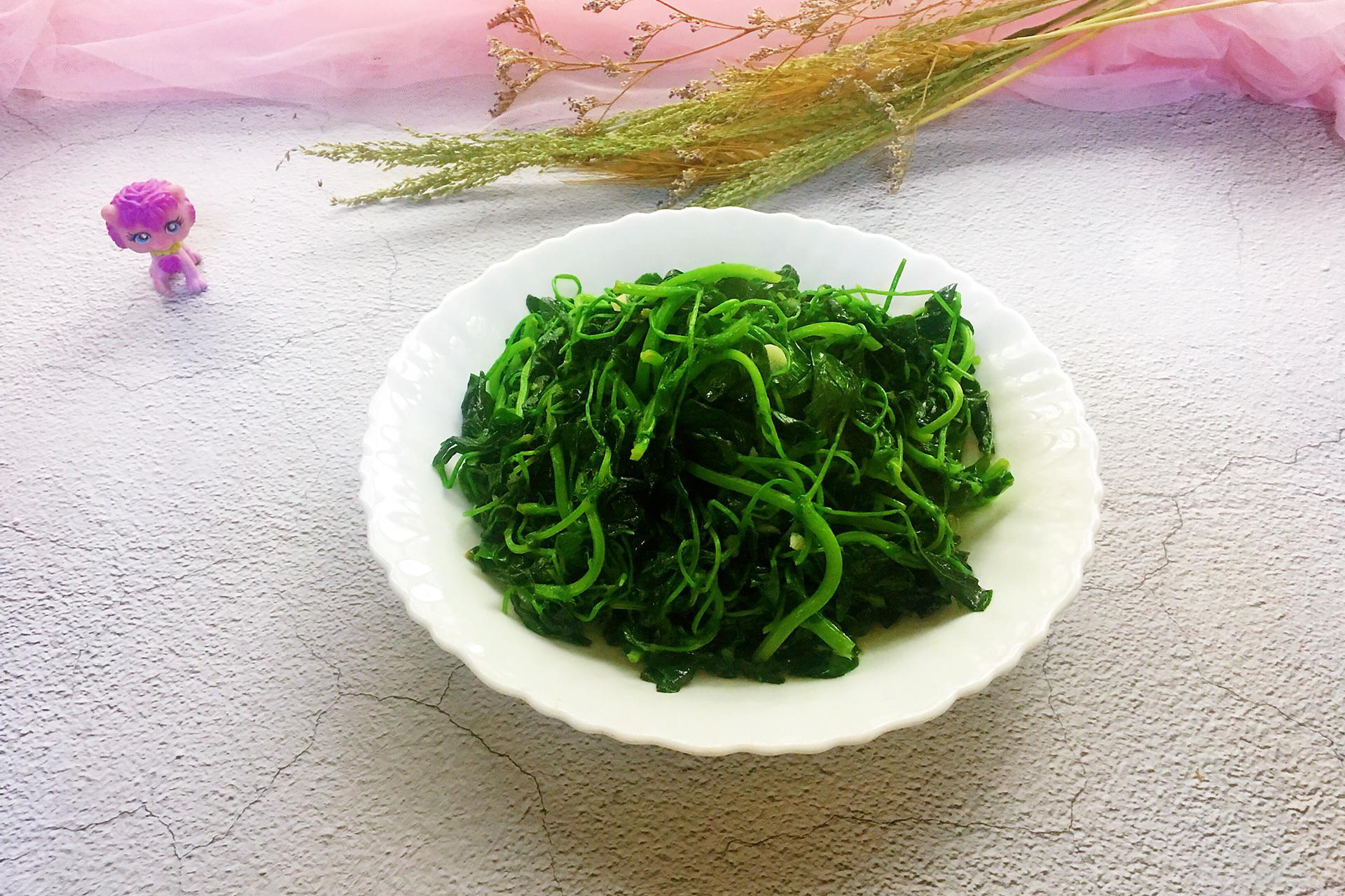 酒香草头是一道上海菜,口感清爽味道鲜美,烹饪方法很简单