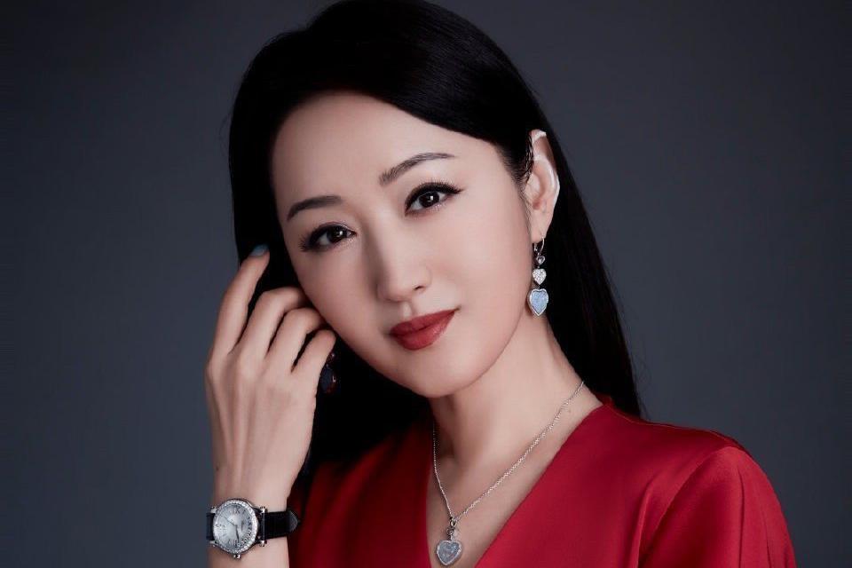 杨钰莹成浪姐2吸粉最大赢家,单月吸粉160万,凭的是什么?