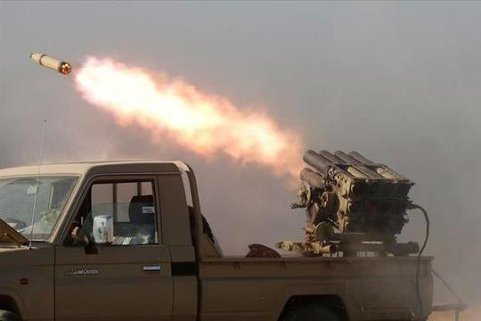 内战将爆发,政府军直升机被火箭弹炸毁,伊拉克急忙安抚沙特伊朗
