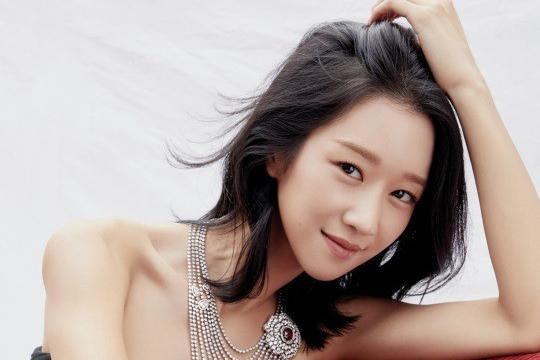 韩女星徐睿知登杂志封面 佩戴珠宝贵气十足