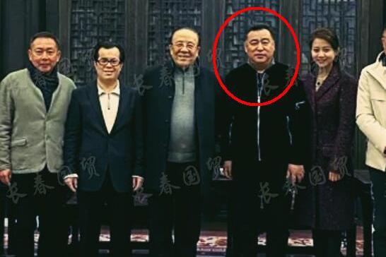原《新闻联播》主播张宏民近照曝光,59岁仍单身一人逍遥自在