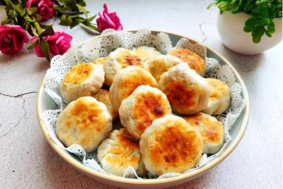 饺子皮这样做,香酥软糯,比吃肉还过瘾!孩子每天早上点名要吃