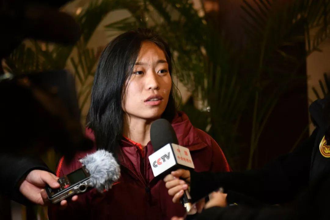 中国女足王牌首夺金球奖,期待奥运再创佳绩,贾秀全建大功